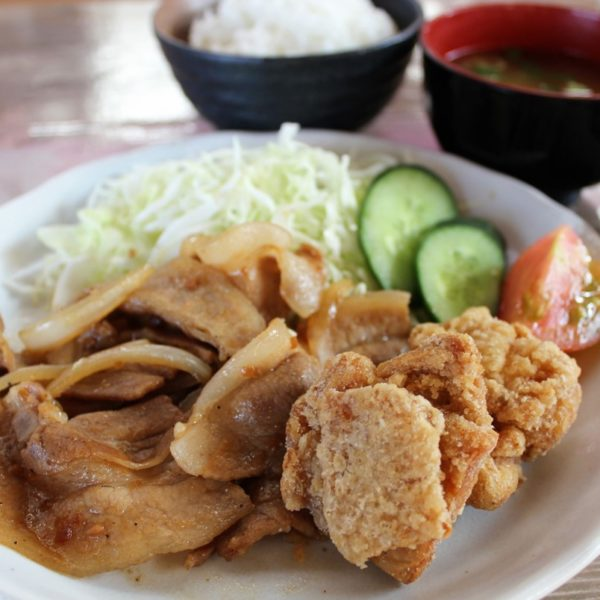 ダブル定食(唐揚げ+生姜焼き)